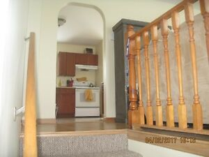 Nice Family Home Eastern Passage 3bd, 3 levels
