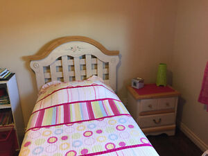 Girl's Twin Bedroom set for sale