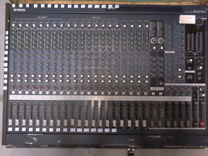 FOR SALE  Yamaha mixing console  mg24 14fx