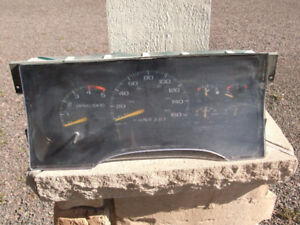 DASH CLUSTER  out of a 1995 CHEVY TRUCK
