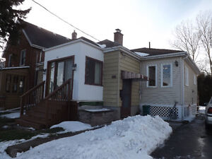 344 Nelson St - Great location, across from the Memorial Ctr