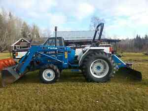Ford Diesel 4X4 Model 1920 Rear Blade & Quick Atch Loader 609hrs