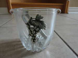 Italian crystal glass ice bucket with tongs Brand new in box London Ontario image 9