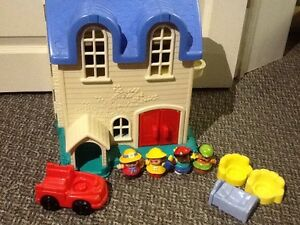 Fisher Price Little People Family Home