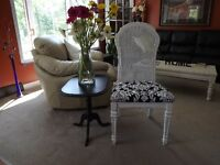 Pretty corner set, chair and table
