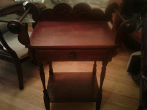 Gorgeous Washstand in Excellent Condition , Beautiful CONDITION