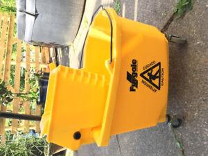 Furgale Centurion 26 Qt Mop Bucket w/Sidepress Wringer