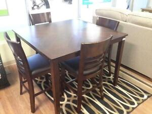 *** USED *** MAZIN FURNITURE TOMLIN 5PC DINETTE   S/N:51218980   #STORE547