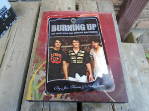 Jonas Brothers hardcover book, Burning up on tour