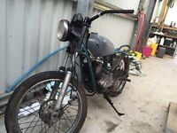 Brat Yamaha 125 Bike