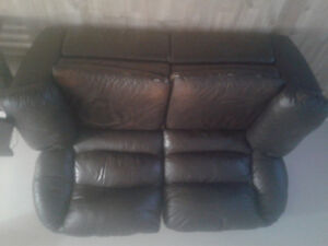 Duel reclining loveseat