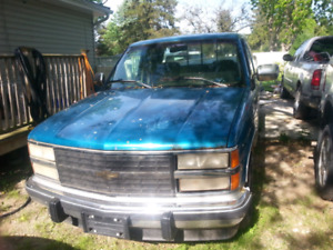 1993 Chevy pick-up project or parts truck