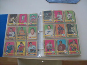 VINTAGE -- OLD  HOCKEY  CARDS --  OVER 400  CARDS