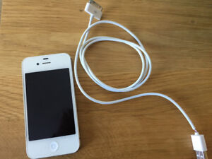 iphone 4s 16 gb bell + chargeur