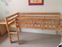 Cabin bed solid wood + desk