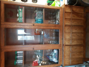 **DEAL** Solid wood Buffet and Hutch