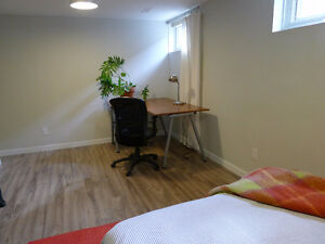 Yonge/Finch - Two Big, Bright, Furnished Rooms London Ontario image 7