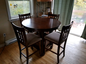 4 chair and table with leaf