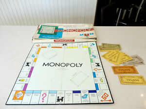 Vintage 1961 Monopoly Board Game (With some bonus other money) Kitchener / Waterloo Kitchener Area image 1