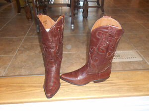 Ladies Cowboy boots, size 8-8.5, various prices.