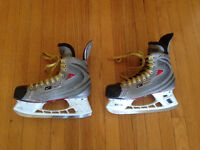 Hockey Skates+Bag+Equipment / Patins de Hockey+Sac+Equipement