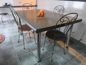 Table de cuisine pour 6 personnes