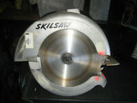 "Skil 10 1/4"" Beam Saw with Metal Storage Case"