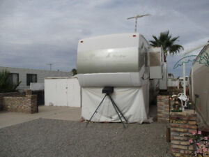 5th Wheel 36 ft Prairie Schooner by Gulfstream - 3 slides