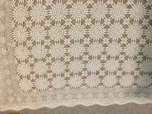 LACE CROCHETED TABLECLOTH