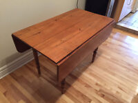 ANTIQUE PINE TABLE & 5 CHAIRS