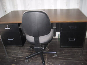 Office desk & office chair