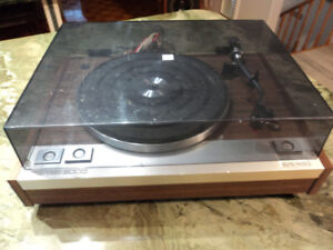 vintage  Craig Series 5000 audio turntable