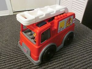 Gros camion pompier et son chauffeur...rempli de 35 méga bloc