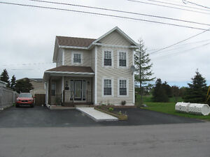 Available May - Bright, furnished 3 bed 2 bath home in Torbay