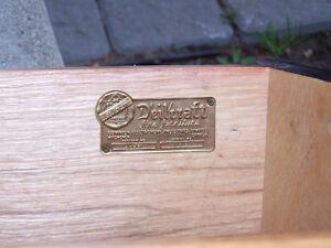 """Round """"Tub"""" Table Kitchener / Waterloo Kitchener Area image 2"""