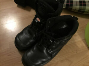MENS DAKOTA STEEL TOE  BOOTS, SIZE 8D, black, as new, SAE