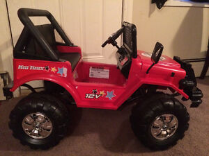 Kid Trax Jeep, 2 toddler can fit comfortably