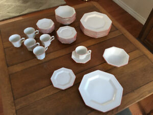 English Dinerware Set