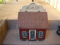 NICE WOODEN MAILBOX WITH PICTURES