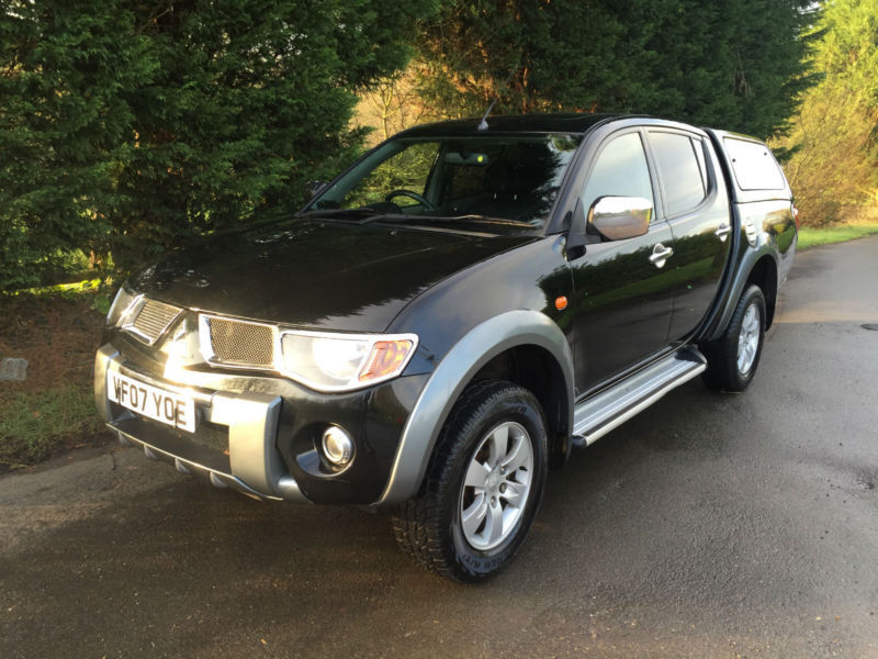 2007 mitsubishi l200 diamond 2 5 di d turbo diesel automatic 4x4 pick up truck in hockley. Black Bedroom Furniture Sets. Home Design Ideas