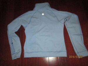 Lululemon Pale Blue Lightweight jacket size 8 EUC Kitchener / Waterloo Kitchener Area image 3
