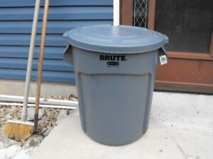 BRAND NEW GARBAGE CAN