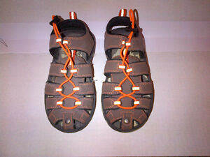 $10 Deal $10 GAP Camouflage Kids Size 13 Sandals GAP MINT!