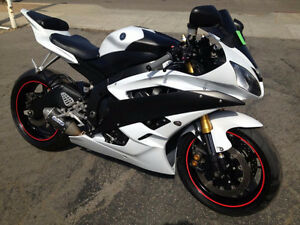 Yamaha r3 or Yamaha r6, NEED