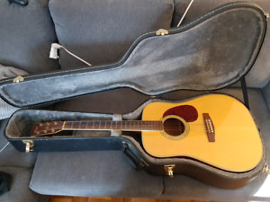 Cort Earth 200 Acoustic with Hard Shell Case