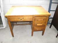 ANTIQUE OAK CHILDS DESK WITH 3 DRAWERS