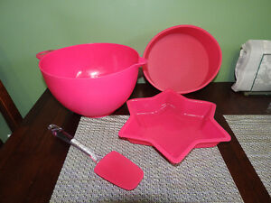 4 pink BAKING items (selling together)