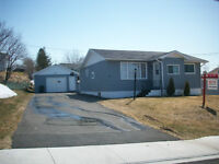 65 Parkill Dr. Openhouse Sun May 31.2:00-3:30.