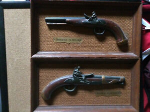 Flintlock guns (replicas)