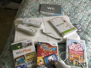 Wii play  and accessories